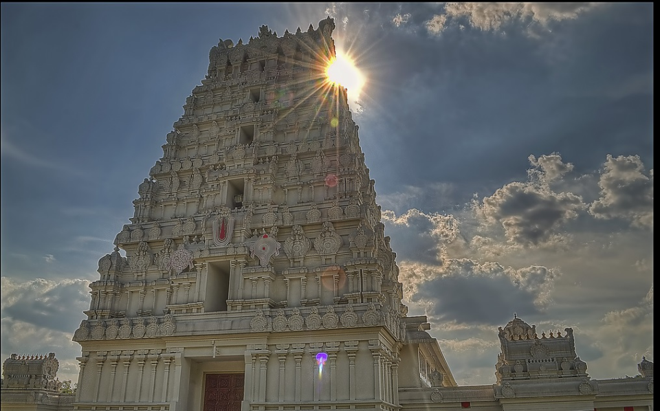 Curious Christians explore Hindu Temple